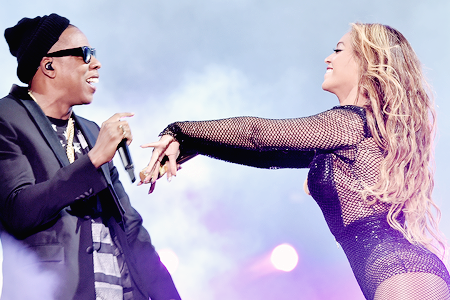 Jay Z Reportedly Announces Beyonce Is Pregnant...