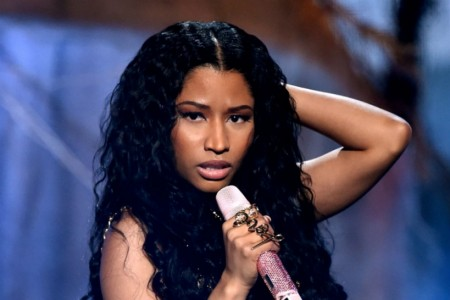 Nicki Minaj Ponders Why Her Ass-Tastic 'Anaconda'...
